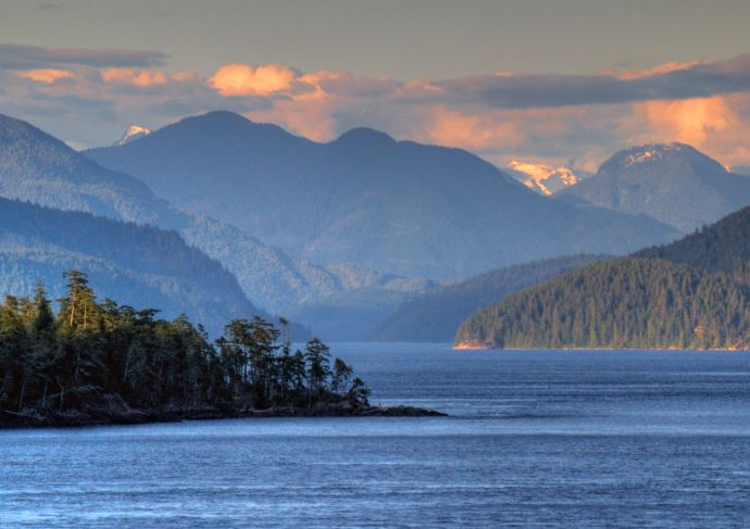 Alaska & Inside Passage Cruise – Oceanview Stateroom