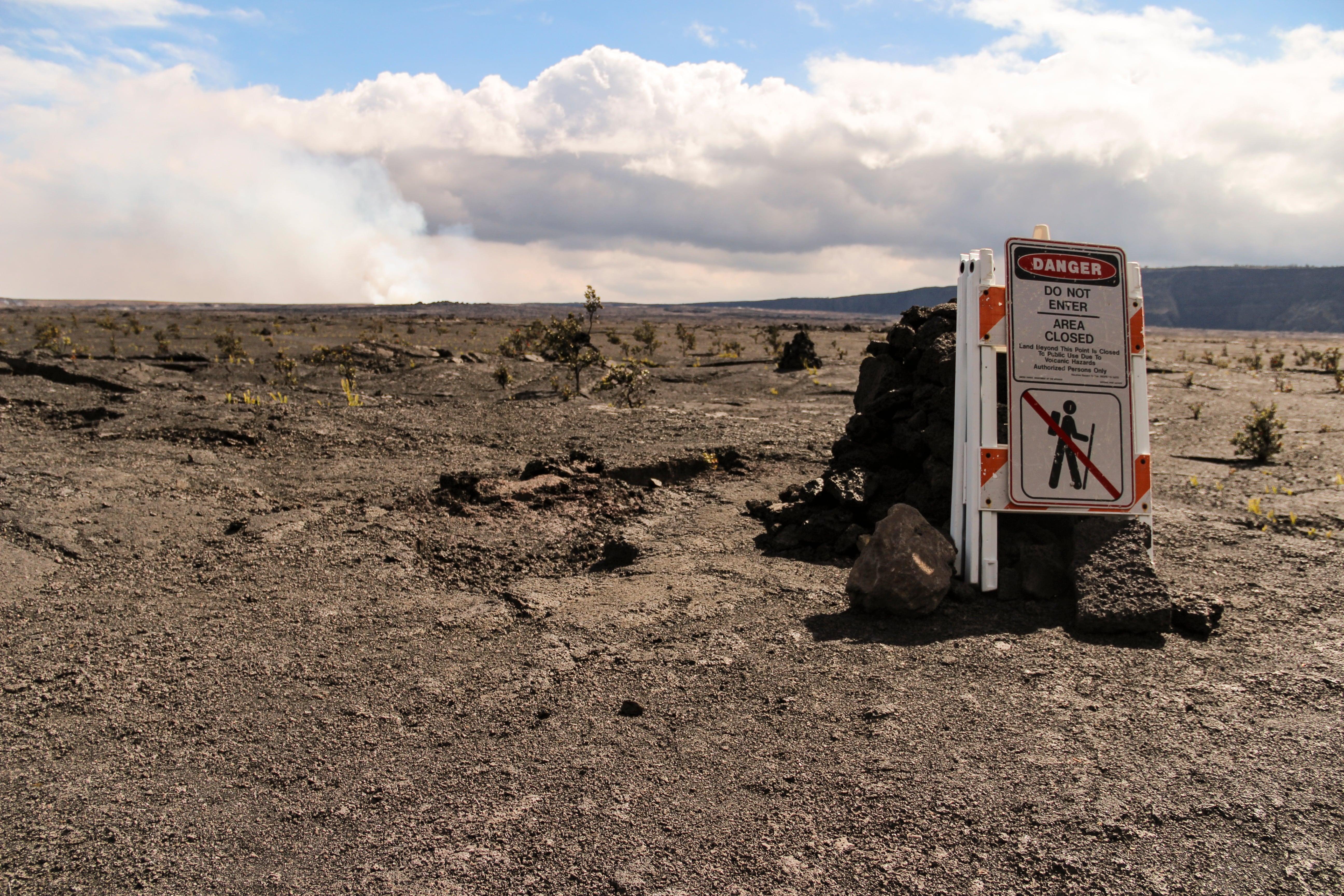 Danger do not enter area close sign, Kilauea crater