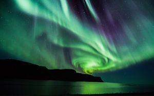 Iceland's Northern Lights & More! 7