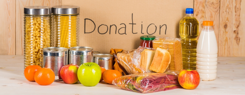 Holiday Vacations Donates to Wisconsin Food Banks